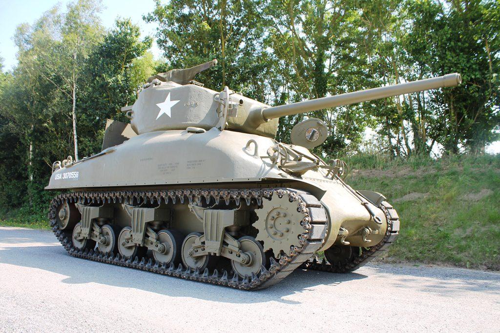 """M4 A1 SHERMAN """"76w"""""""